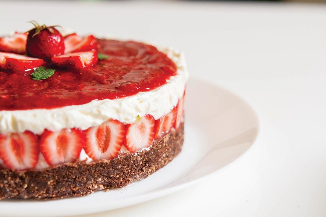 skutina-torta-z-jagodami[1]
